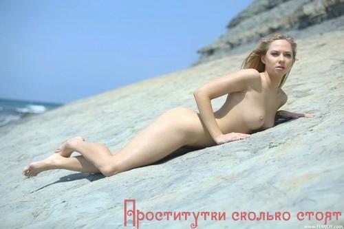 Дашура - мастурбация члена грудью